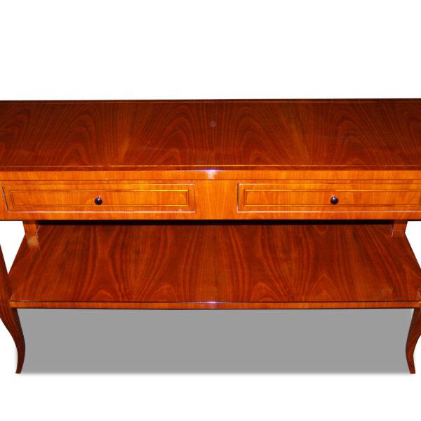 ANTIK SHOP Biedermeier Stil TV-Konsole Biedermeier Stil, um 1900 Kirschbaum bzw. Nußbaum, hochglänzend lackiert B: 125 cm T: 40 cm H: 69 cm