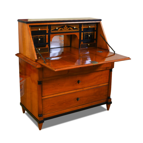 ANTIK SHOP Biedermeier Sekretär Biedermeier, um 1840 Kirschbaum, Schellack handpoliert B: 110 cm T: 57 cm H: 115 cm zweiteiliger Biedermeiersekretär aus massivem Kirschbaum.