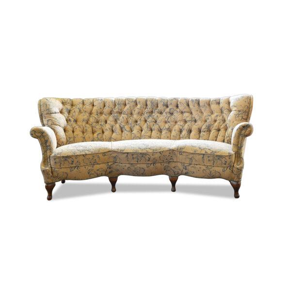 ANTIK SHOP Sofa Neuzeitlich, um 1930 Buche, mattiert B: 205 cm T: 95 cm H: 84 cm Sehr bequemes Sofa im Chippendale Stil.