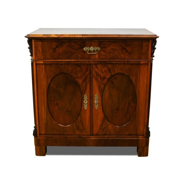 ANTIK SHOP Louis Philippe Anrichte Louis-Philippe, um 1870 Nußbaum, mattiert B: 91 cm T: 48 cm H: 92 cm