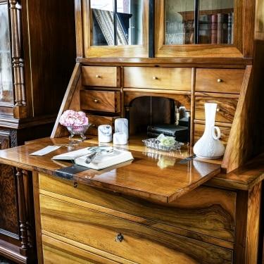 ANTIK SHOP möbel aschaffenburg antiquitaeten kleinostheim restaurationen Sekretär Nussbaum
