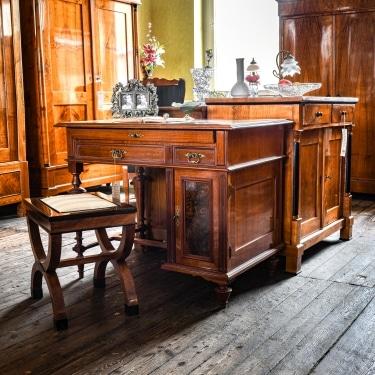ANTIK SHOP möbel aschaffenburg antiquitaeten kleinostheim restaurationen Schreibtisch Nussbaum