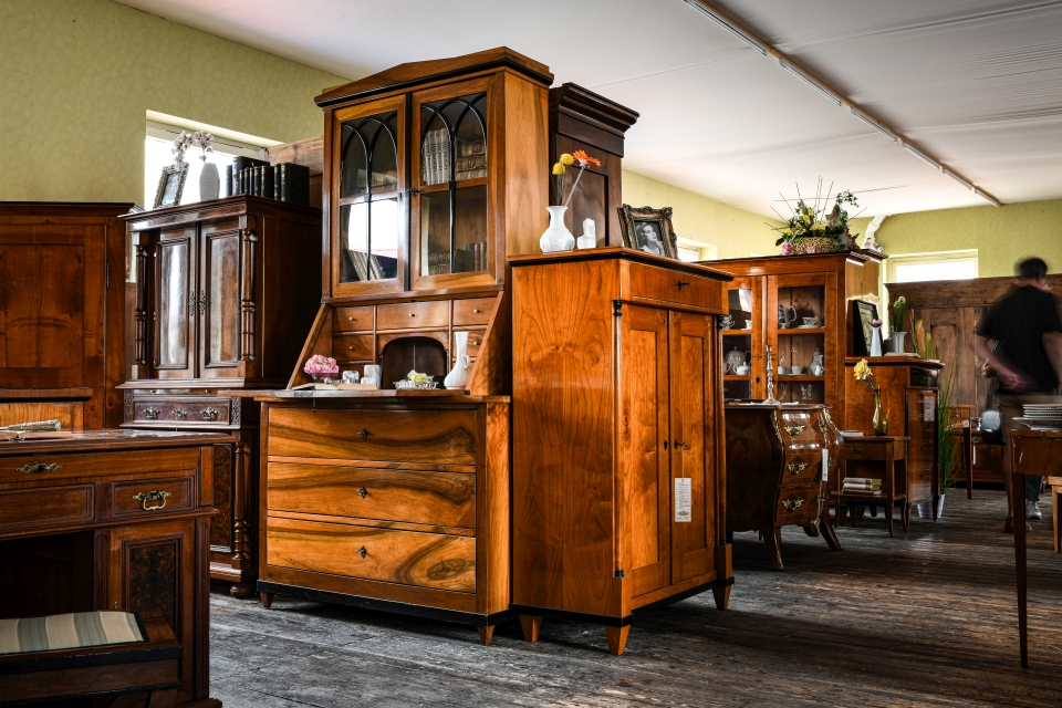 ANTIK SHOP Antiquitäten Kleinostheim  Jugendstil  Vitrine Kirschbaum  Möbel