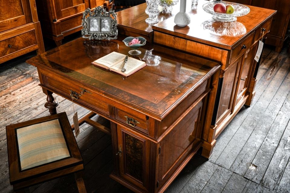 ANTIK SHOP Antiquitäten Kleinostheim  Gründerzeit  Sekretär Kirschbaum  Möbel