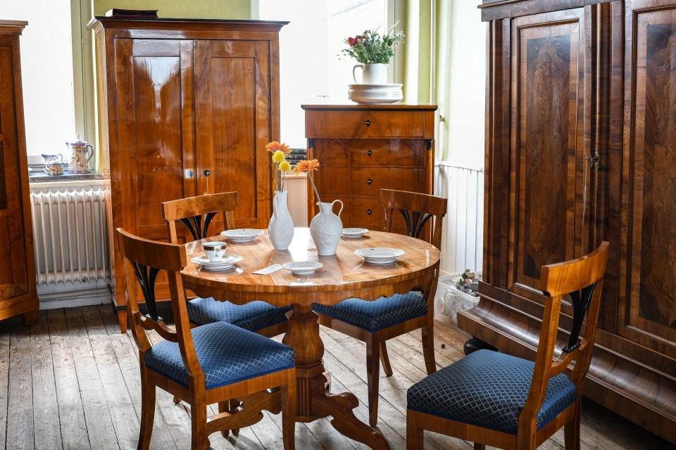 ANTIK SHOP Antiquitäten Kleinostheim  Gründerzeit  Esstisch Kirschbaum Möbel