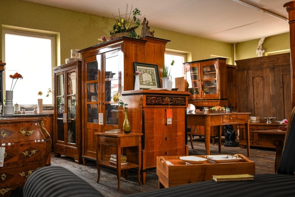 ANTIK SHOP Antiquitäten Kleinostheim Vitrine Biedermeier Kirschbaum Möbel