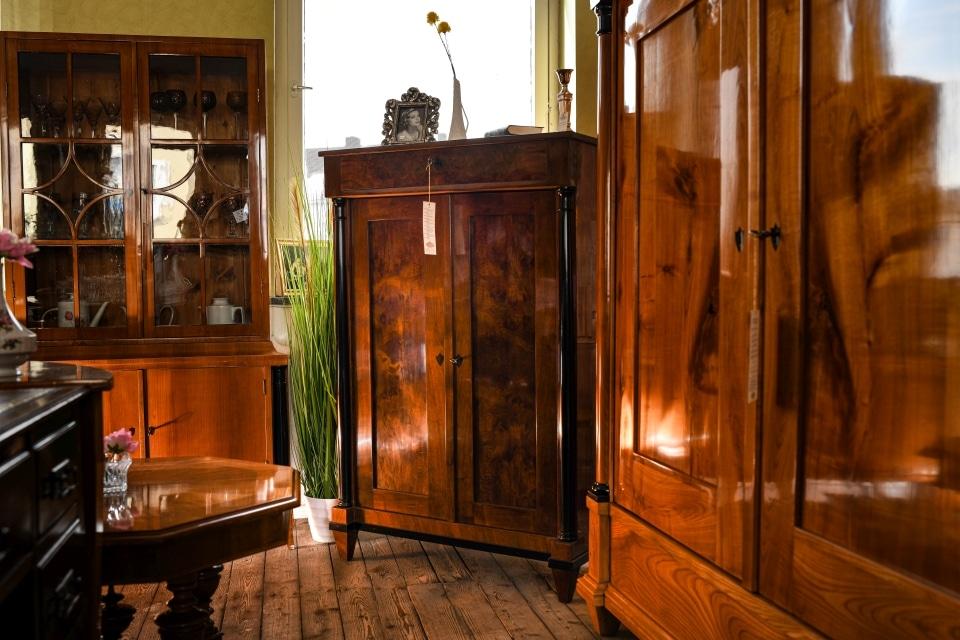 ANTIK SHOP Antiquitäten Kleinostheim Vertiko Biedermeier Kirschbaum Möbel