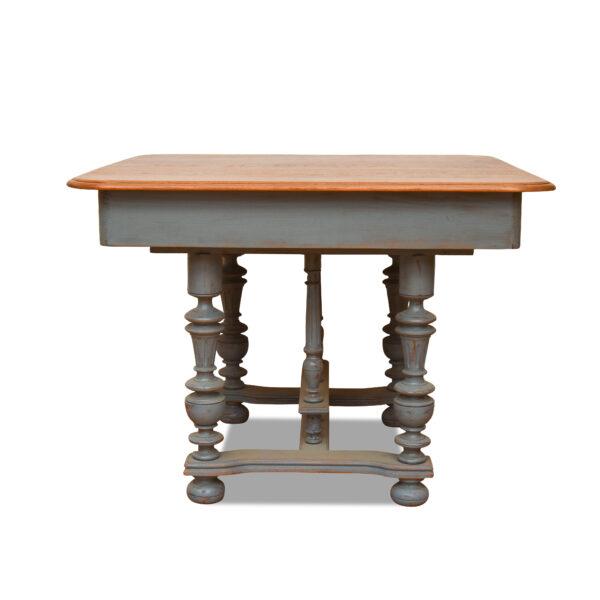 ANTIK SHOP Henry II Tisch Henry II, um 1890 Eiche, gefasst B: 100 cm T: 102 cm H: 75 cm Henry II Tisch aus Eiche