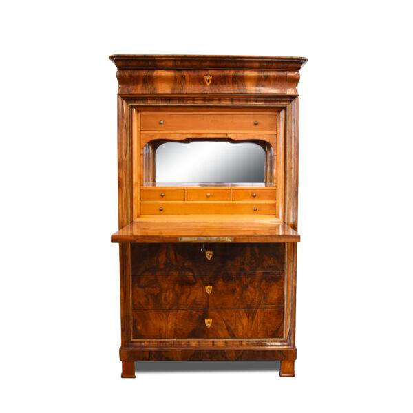 ANTIK SHOP Biedermeier Sekretär Biedermeier, um 1840 Nußbaum, handpoliert B: 101 cm T: 50 cm H: 166 cm Biedermeier Sekretär aus Nußbaum