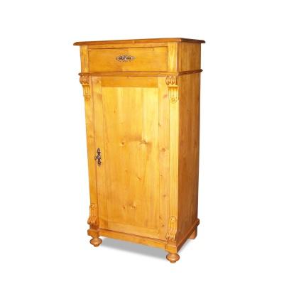 ANTIK SHOP Gründerzeit Stil Schränkchen Alpenländisch, um 0 Fichte, biologisch gewachst B: 60 cm T: 43 cm H: 120 cm traditionell gefertigtes Schränkchen aus Fichte Altholz. Abweichende Maße sind auf Kundenwunsch möglich.