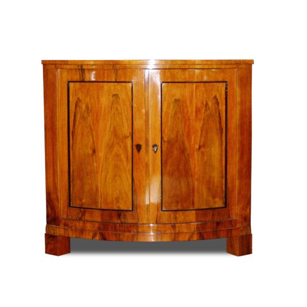 ANTIK SHOP Biedermeier Stil Eck-Anrichte Biedermeier Stil, um 1900 Kirschbaum bzw. Nußbaum, hochglänzend lackiert B: 91 cm T: 64 cm H: 86 cm