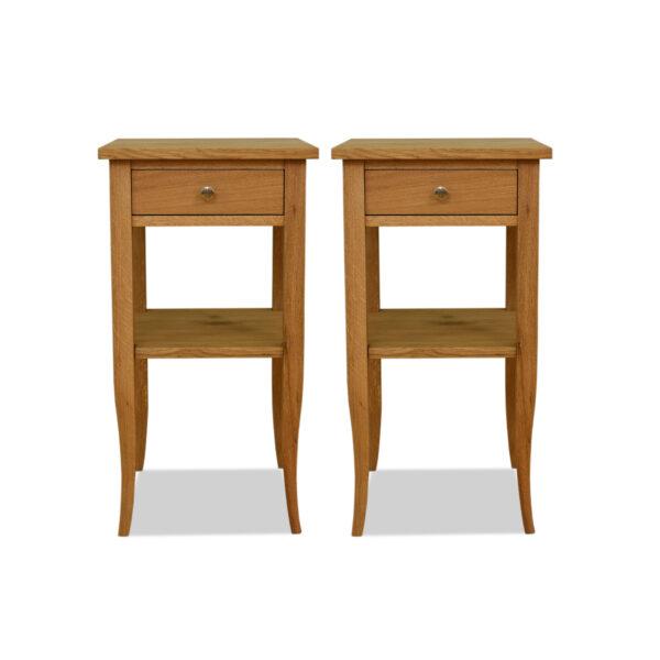 ANTIK SHOP Biedermeier Tischchen Biedermeier Stil, um 1900 Eiche, mattiert B: 40 cm T: 40 cm H: 76 cm Biedermeier Stil Tischchen aus massiver Eiche mit Ablagebrett