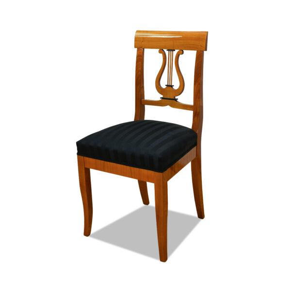 ANTIK SHOP Armlehnstuhl Biedermeier Stil Biedermeier Stil, um 0 Kirschbaum, hochglänzend lackiert B: 59 cm T: 59 cm H: 94 cm Nach Originalvorbild traditionell gefertigter Biedermeier Armlehnstuhl aus Kirschbaum, Birke oder Nußbaum